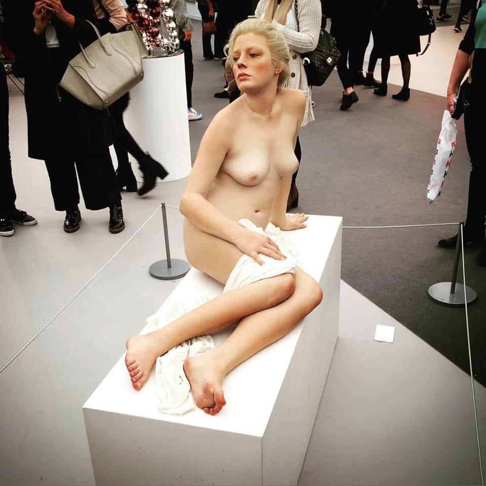 """John De Andrea's """"Cierra"""", 2003, at Galerie Perrotin."""