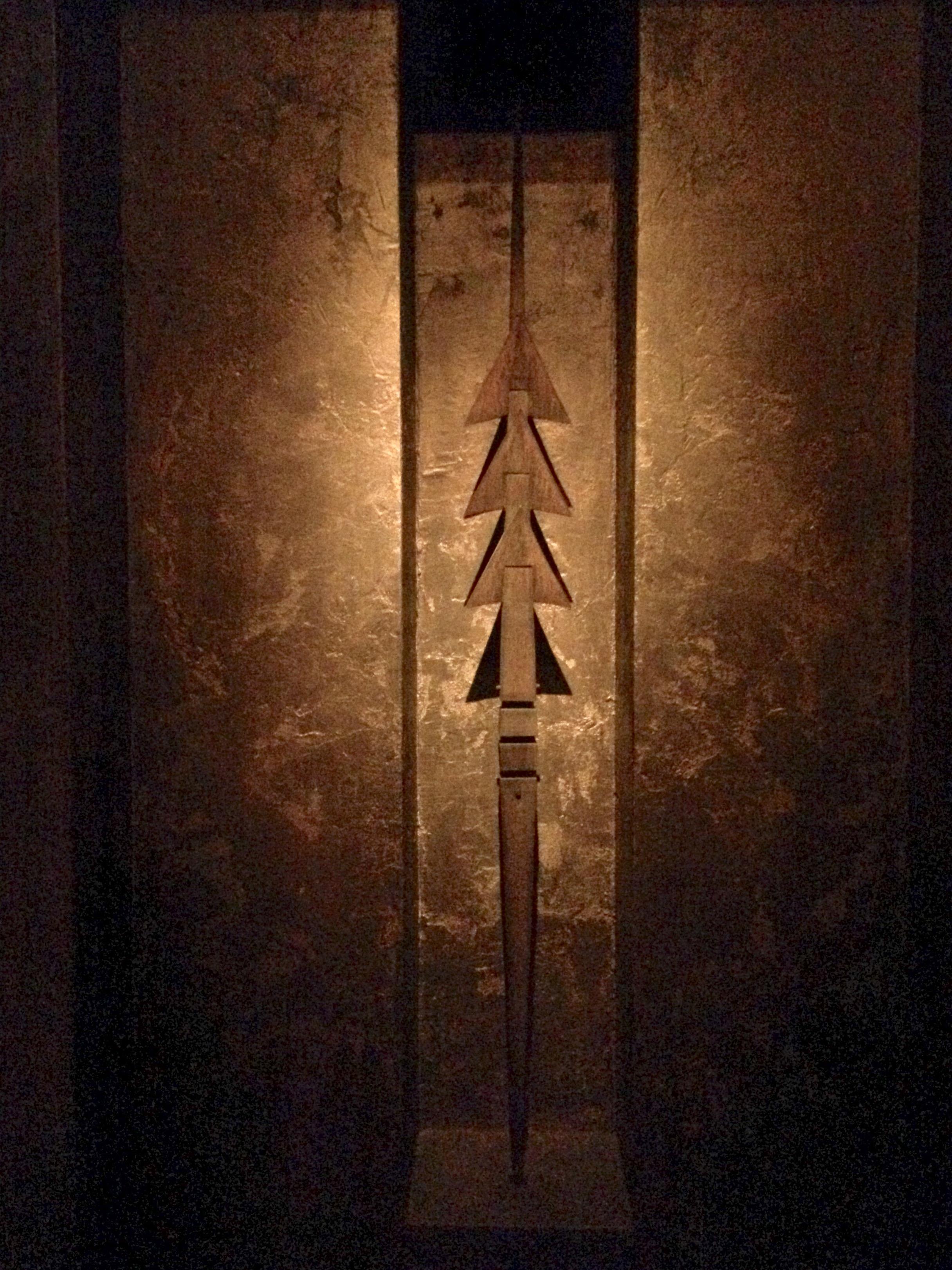 Inside Arnaldo Pomodoro's labyrinth: detail.